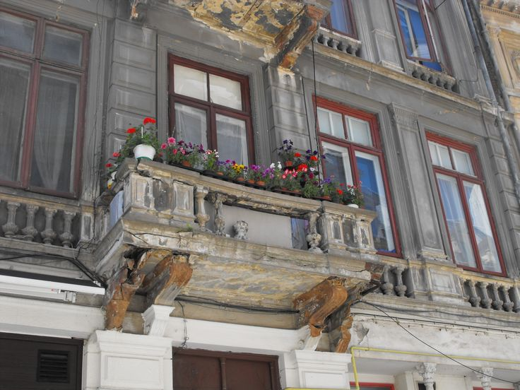 Bukarest-Romania-Old building balcony