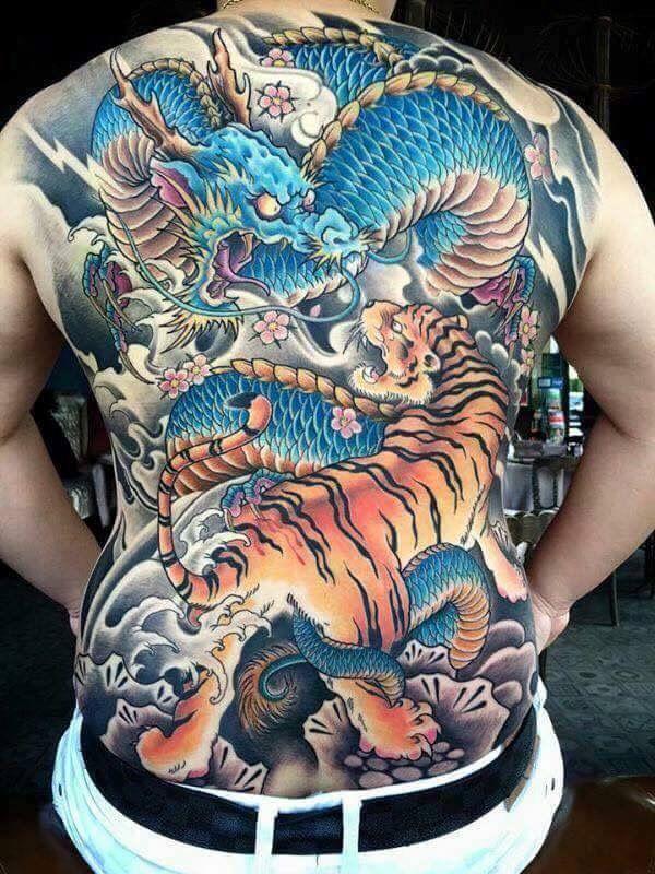 die besten 25 japanische drachen tattoos ideen auf pinterest japanischer drache chinesischer. Black Bedroom Furniture Sets. Home Design Ideas