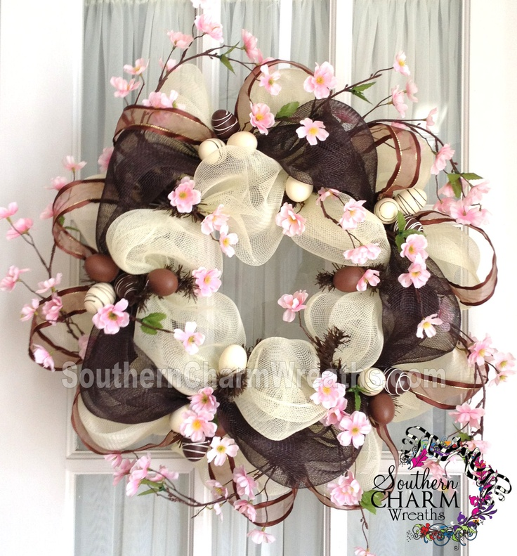 Chocolate Easter egg deco mesh wreath by www.southerncharmwreaths.com #decomesh #wreath