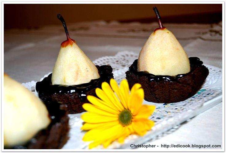 Kulinarny karnet Christophera: Babeczki czekoladowe z gruszką Babeczki czekoladowe z gruszką Chocolate muffins with pear http://edicook.blogspot.com/2014/09/babeczki-czekoladowe-z-gruszka.html