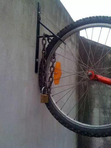 78 mejores ideas sobre soportes para bicicletas en for Gancho adhesivo pared