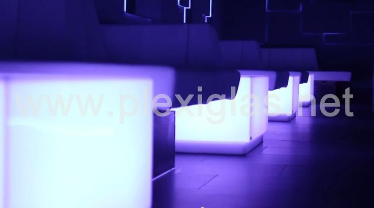 https://www.youtube.com/watch?v=T3yX7l4-wVw Dance! With the light, around the light and into the light. At the Qubes Clb in Karlsruhe, the fixtures light up. Furnishing, superstructure and wall fixtures are illuminated and clad with #PLEXIGLAS® Satinice. Take a dip in the sea of light.