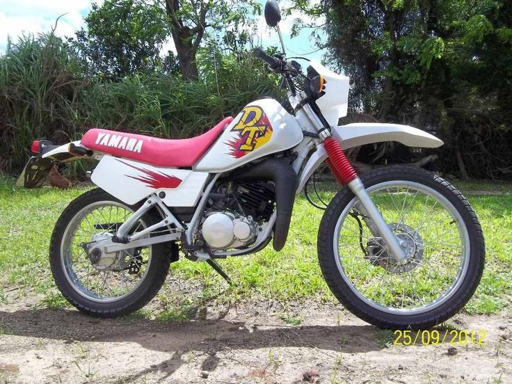 Yamaha DT 180 branca 1996 [na garagem de 2000 até hoje!]