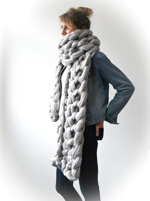 Giant Merino chunky Scarf. Big yarn scarf. Thick by Unlongdimanche