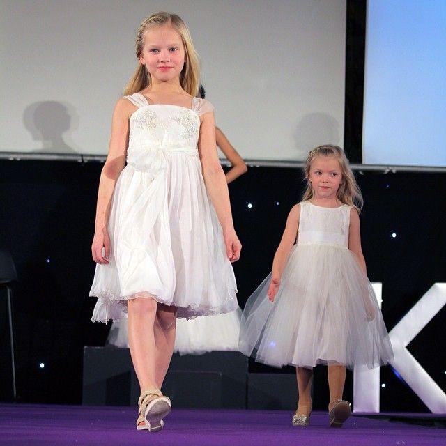 So LOVELY! Cute flowergirl dresses #Sadoni
