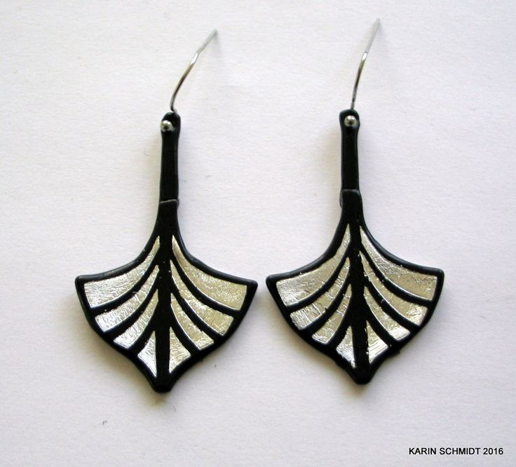 Vikingeskibs-øreringe. Dangle earrings. Friendly plastic.