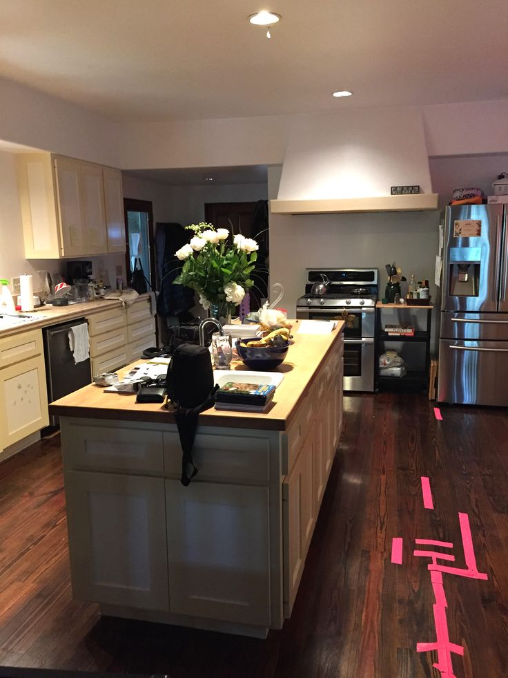 11 Times White Kitchen Cabinets Transformed A Space