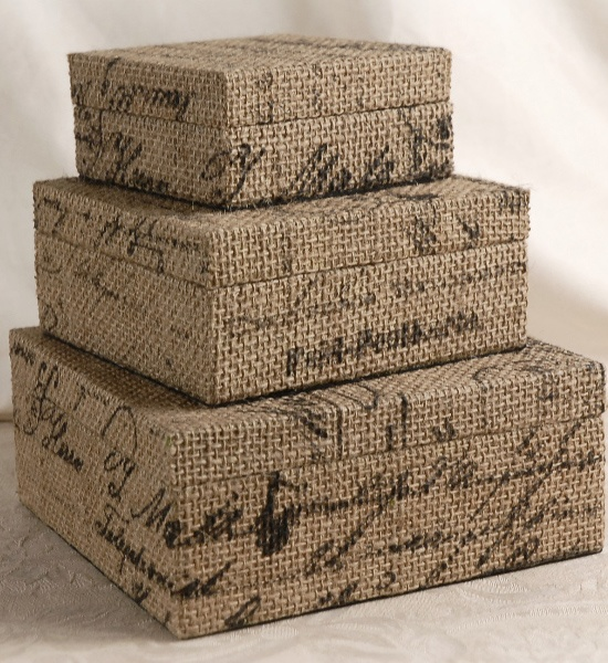 covered boxes (inspiration only) - would be easy to make by covering boxes with burlap that has been stamped with black paint using word stamps - just have to trim carefully to allow for closure and still cover (repin) #cloth #burlap #boxes                                                                                                                                                                                 Más
