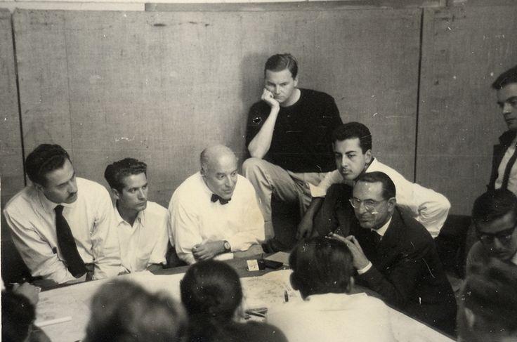 Franco Albini, Piero Bottoni, Gian Luigi Banfi, Ernesto Nathan Rogers, Gio Ponti, Marco Zanuso alla Casa della Cultura a Milano negli anni Cinquanta