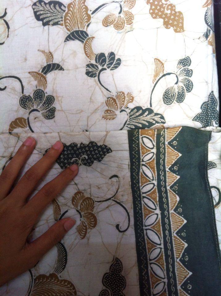 Batik yg diproduksi oleh salah satu pengrajin di Desa Giriloyo, Imogiri, Bantul. Batik tulis yg halus dan menggunakan pewarnaan alam. Info: WA/SMS/telp 081578365816 Email: hanggie.f@gmail.com