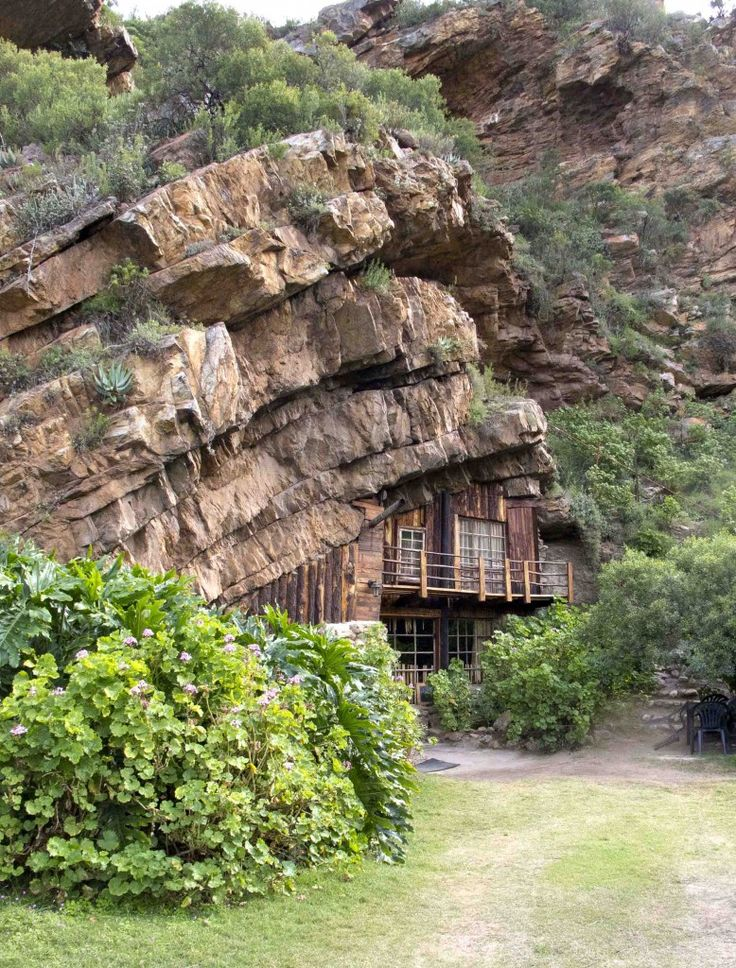 Your kingdom for a cave - the Makkedaat Caves in the Eastern Cape.