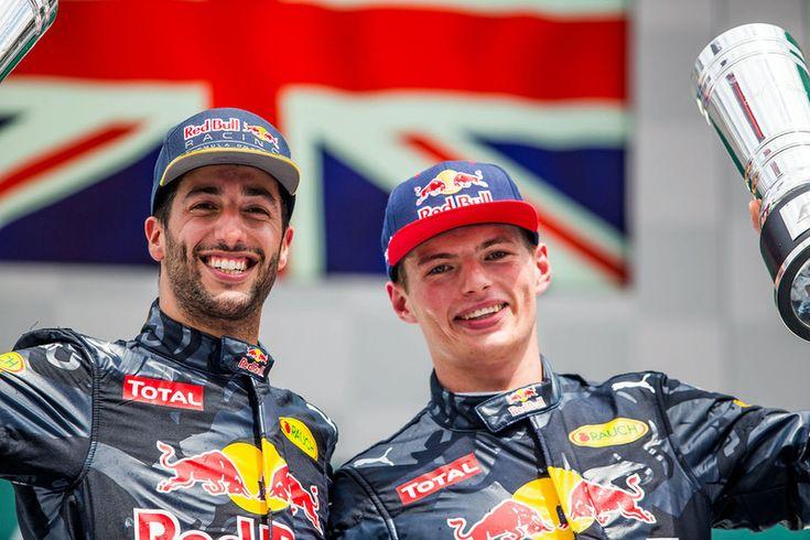 Podium: tweede plaats Daniel Ricciardo, Red Bull Racing, derde plaats Max Verstappen, Red Bull Racing