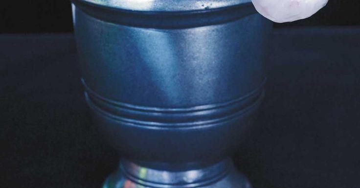 Yeux globuleux (Litchis farcis aux bleuets et aux cerises)