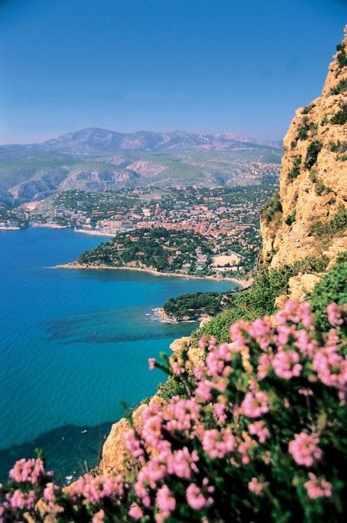 Cote d'Azur in the French Riviera - another beautiful area along the French Riviera between Nice and Monaco 120 days to go