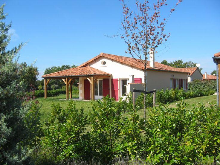 Vind hier alles over Domaine Les Forges in  in  in Frankrijk. Bekijk de foto's, videos, en klantwaardering van deze vakantiewoningen. Zoek en boek online bij OUT! Travel Vakantiehuizen (ANVR/SGR).