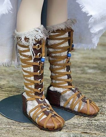 Make Your Own Gladiator (Celtic Warrior) Boots  Copyright © 2010 Martha Boers