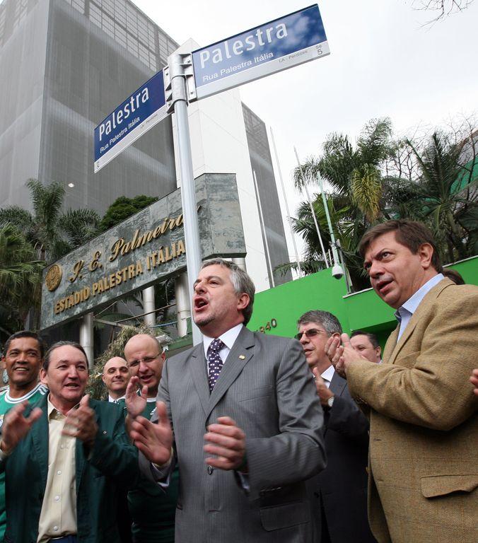 Palmeiras oficializa mudança de trecho da Rua Turiassu para Rua Palestra Italia...