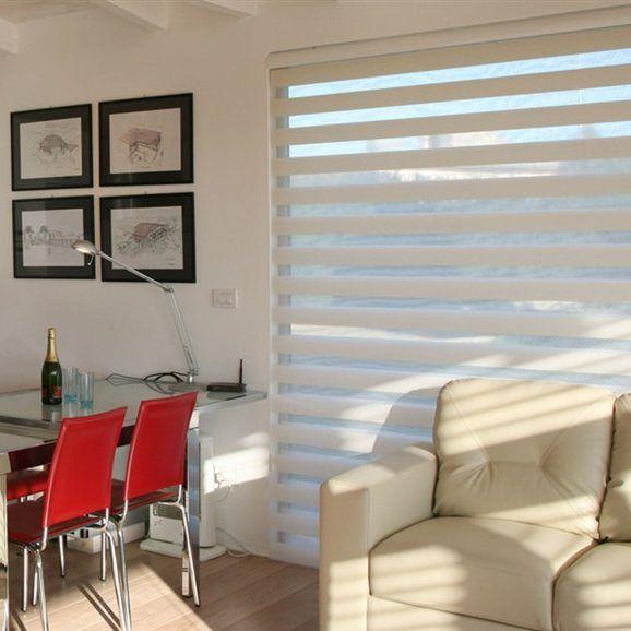 Te permiten filtrar la cantidad de entrada de luz en tu hogar,y estarás a la ultima en decoración....