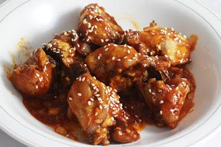 Ini adalah salah satu masakan olahan ayam yang lezat. Disatukan dengan bumbu, saos dan penyedap rasa, menjadikan ayam ini terasa nyaman dimu...