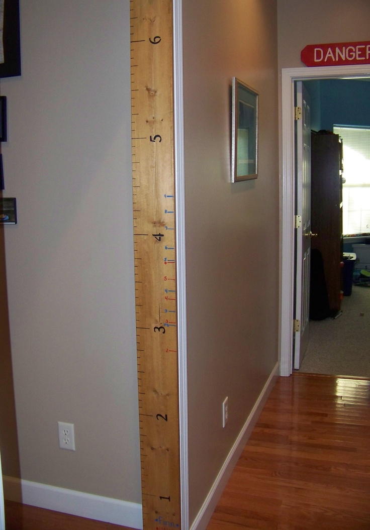 Kid's height measuring board - need to make one of these ...
