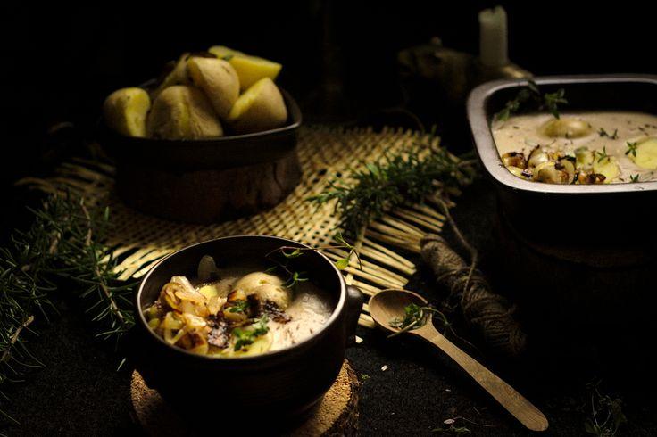 Kiesełycia-owsiany,regionalny żur. Ma delikatną,kremową konsystencję i jest mniej kwaśny od tradycyjnego żurku.Podaje się go z ziemniakami i smażoną cebulą.