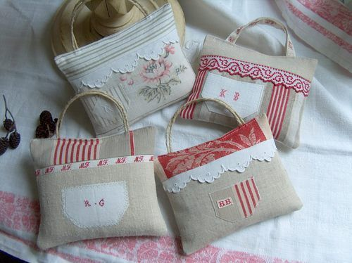 Lovely lavender sachet. This site as lots of patchwork and lace creations for purchase (or more like - ideas!).