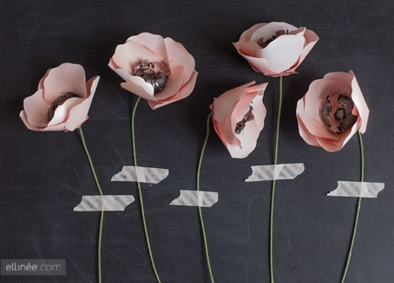 Create beautiful paper anemones with this handy tutorial. #howto #crafts #paper #flowers