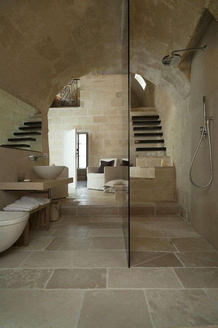 Oltre 25 fantastiche idee su bagno in pietra su pinterest for Idee di rimodellamento seminterrato