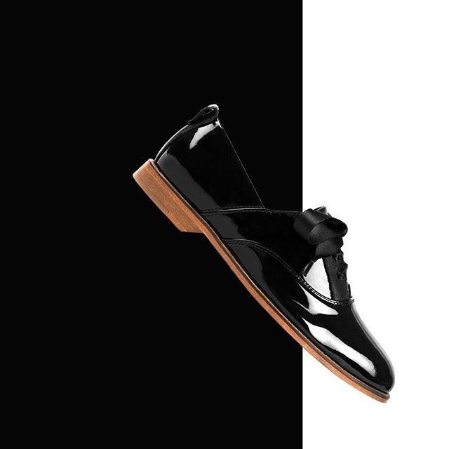 Classic or classico tonight? ⚽️⚽️⚽️ -  #teasing #gcparis #french #shoes #paris #garconneetcherubin #fashion #style #streetstyle #mode #satin #motd #ootd #cute #cuteoutfit #metoo #derbies #vernis #patent #shine #celebrities #celebstyle #hype #psgom #tonight #classico #psg #om #neymar #mbappe #shine