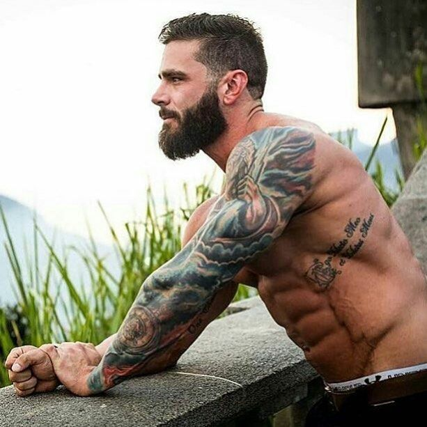 Won't say no to this look. #Beards #Tats #Hottie