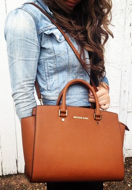 relax , confident, charming lady michael kors bag$7.99- $78.08