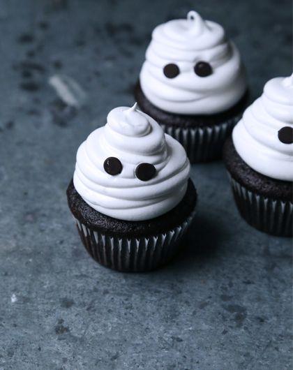 Cupcake fantasma con cioccolato e marshmallow
