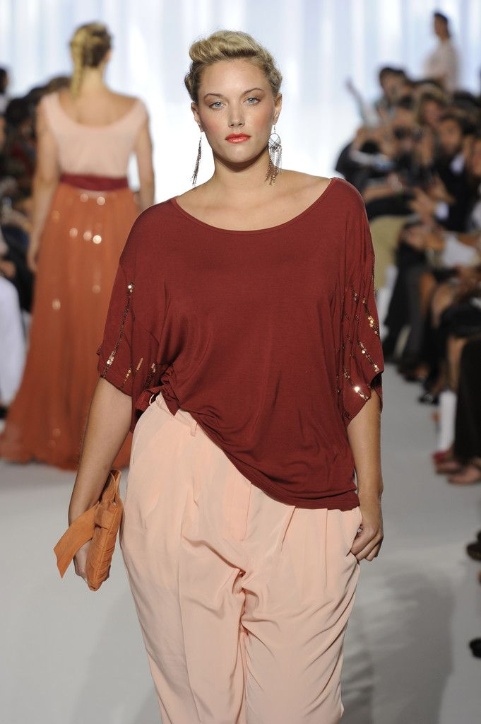 sydney+plus+size+fashion+show | ... orange top worn by a model at this week's plus-size fashion show
