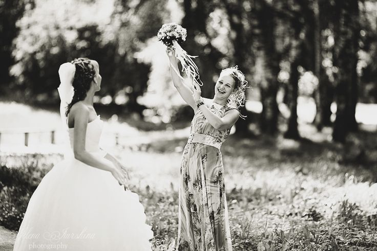 Blackand white #photos are just as precious as colored ones, even more. These #portraits are chic and timeless, historical works for your future grandchildren! #wedding #WeddingPhotos