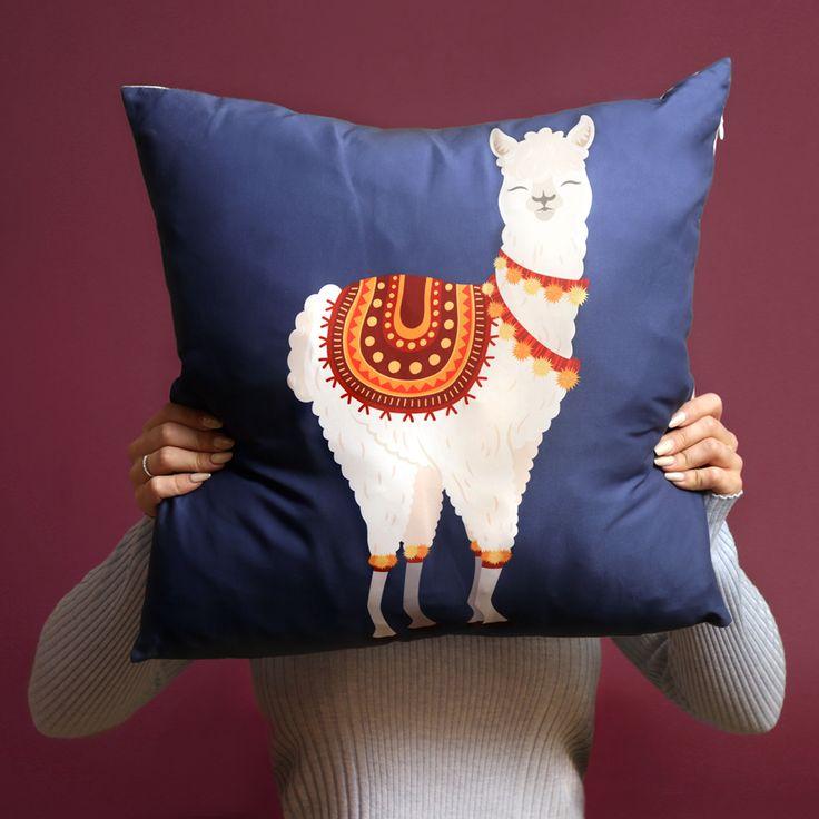Designový polštář s motivem Alpaka je skvělým doplňkem interiéru #alpaca