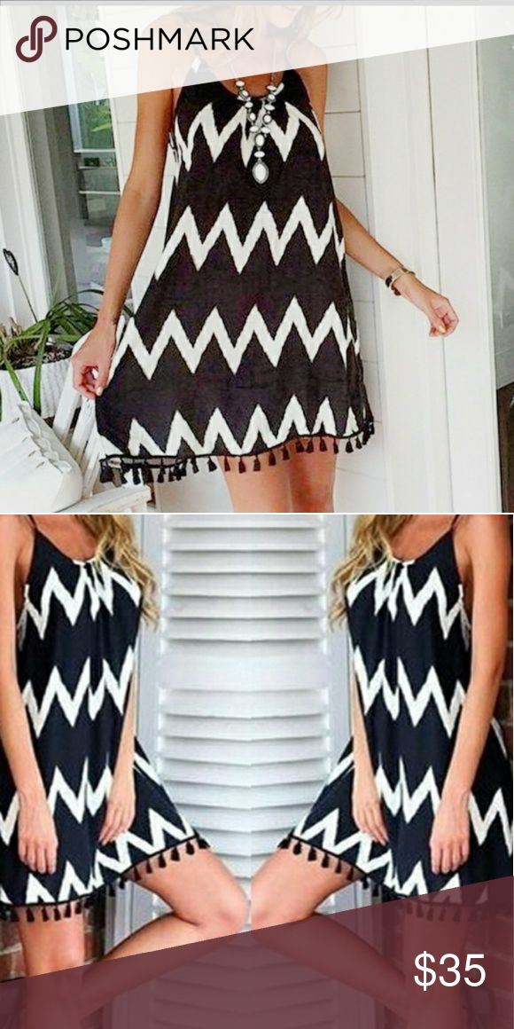Beach chiffon dress Black and white wave striped beach dress Material : chiffon Style: Casual Pattern : striped Style: printing and dyeing  Skirt lenght : short skirt Bust :96cm. Lenght: 78cm waist:100cm Skirts