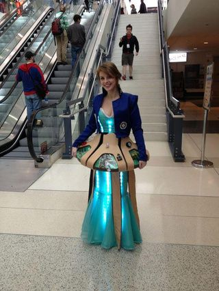 This might be the most creative Doctor Who cosplay we've ever seen. GIVE IT TO ME. I NEEEED IT.
