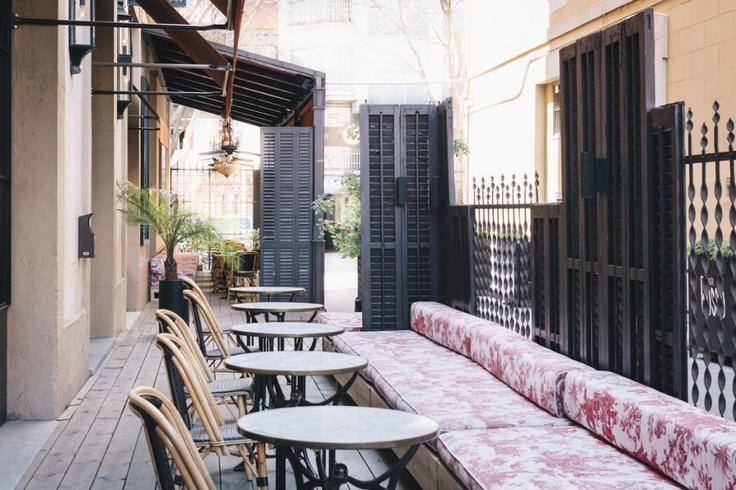 Bar Rosso. www.albertalagrup.com