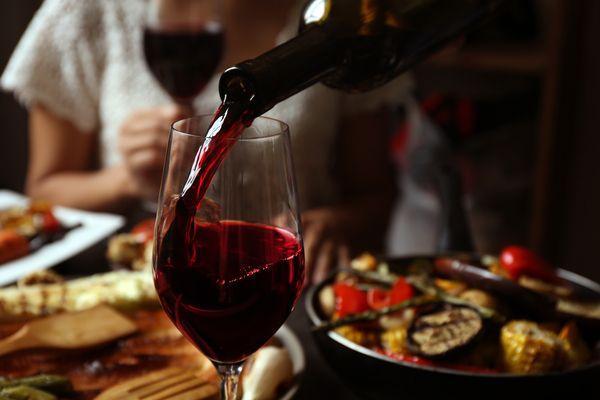 Alla scoperta del vino vegano: caratteristiche e consigli utili