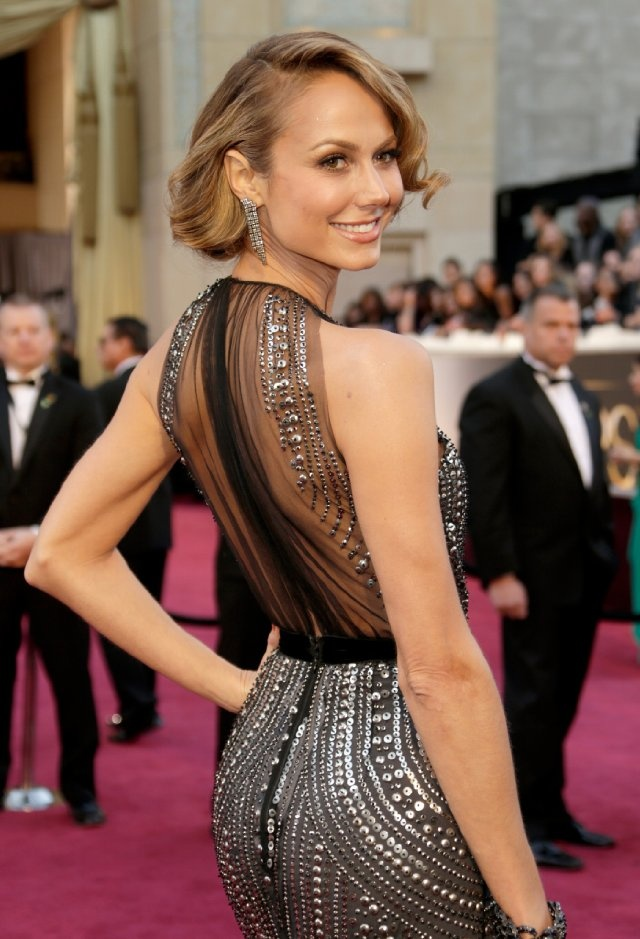 2013 Academy Awards - Clooney's girlfriend, Stacy Keibler, Red Carpet