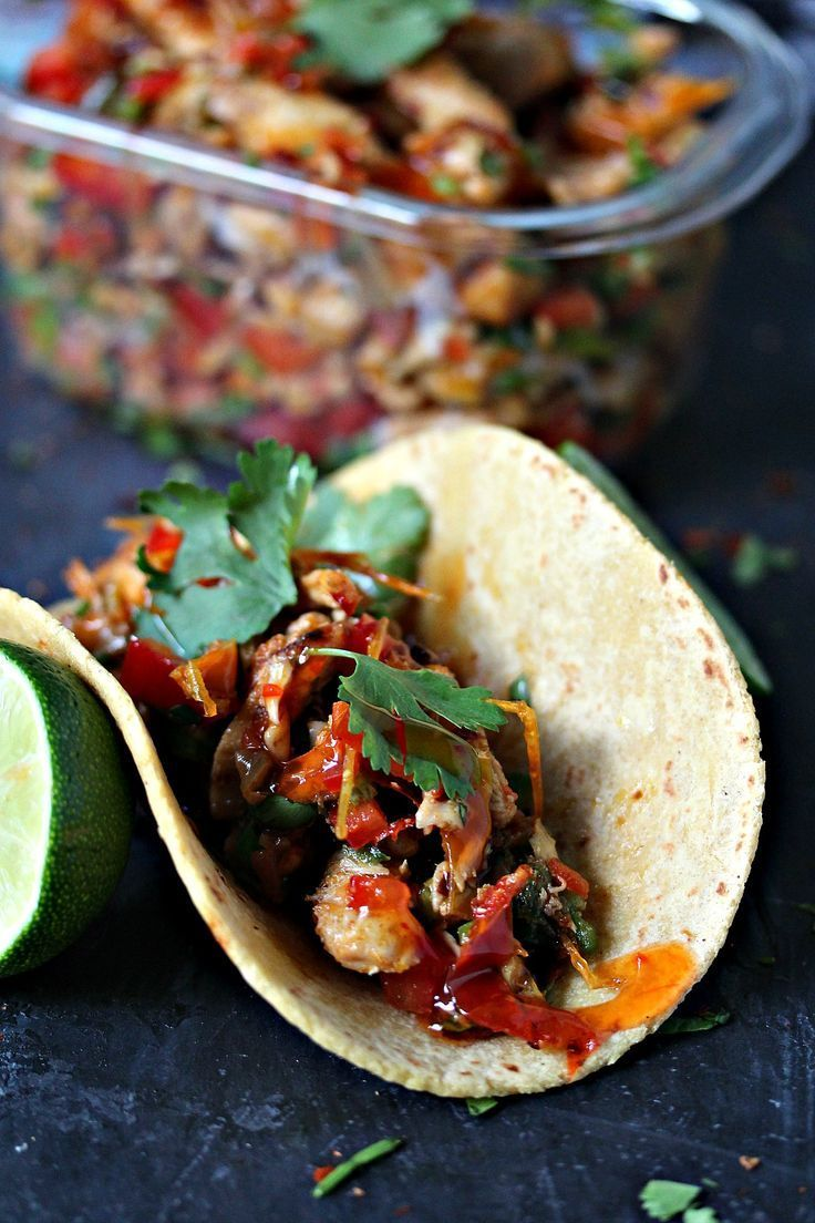 These quick and easy chicken fajitas are baked in flat packs. – The gourmets listening …   – Foil Pack Dinner Recipe