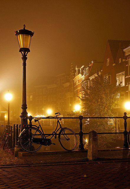 Foggy Night, Utrecht, The Netherlands; photo via transylvania