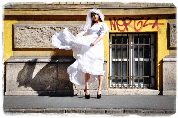 Wedding Inspiration with vintage wedding dresses!