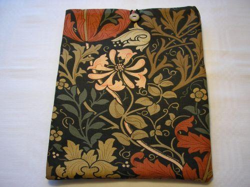 """i-pad cover in William Morris """"Compton"""""""