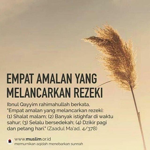 """#indonesia #onedayonejuz #istiqomah #taubat #istighfar #islamituindah #beraniberhijrah #menujubaikitubaik #muslimah #rejekianaksholeh #lelakisholeh #perempuansholeh #almulk #annur #rasulullah #muhammad #nabiibrahim #kekasihallah #taqwa #beriman #rukunislam #rukuniman #islam #muslim #like4like #likeforfollow #instagood #instafollow #instagram #instafollowers"" by @tausiyahku.id. #ganpatibappamorya #dilsedesi #aboutlastnight #whatiwore #ganpati #ganeshutsav #ganpatibappa #indianfestival…"