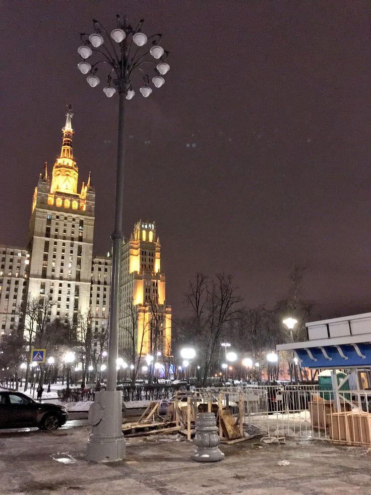На Кудринскую площадь после 7-месячного отсутствия возвращают фонари 1950-х годов