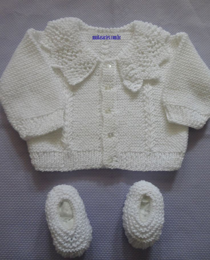 "Baby jumper / jacket with lace collar ~~ Body: 2 columns of Lace pattern ""koloski"" (""Ears of Wheat"") ~~ Casaquinho com gola"