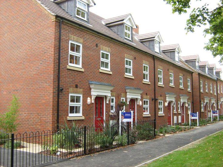 terrace houses, Maidstone, Kent, UK | Terrace house, Brick ...