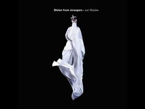 "Jun Miyake and Arto Lindsay - ""Alviverde"" (Stolen From Strangers)"