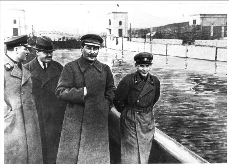 Voroshilov, Molotov, Stalin, with Nikolai Yezhov - Nineteen Eighty-Four - Wikipedia